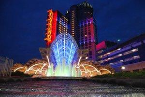 Toronto Woman: Fallsview Slot Millionaire